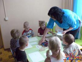 Занятия в Детском клубе Тёма