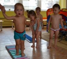 закаливание в Детском клубе , в частном детском саду
