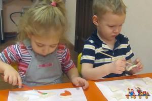 Мастер-класс по созданию ёлочных игрушек из теста в Детском клубе Тёма
