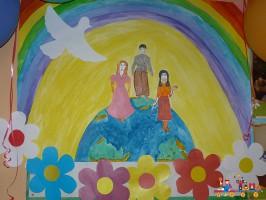 Коллективная поделка к Дню Защиты детей, старшая группа