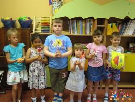 Занятия творчеством в Детском клубе Тёма на Студеном