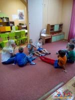 Занятия физкультурой в частном детском саду Тёма