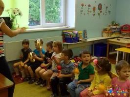 Музыкальное занятие в частном детском саду